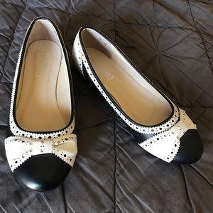 Shoes - Wingtip Black Flats